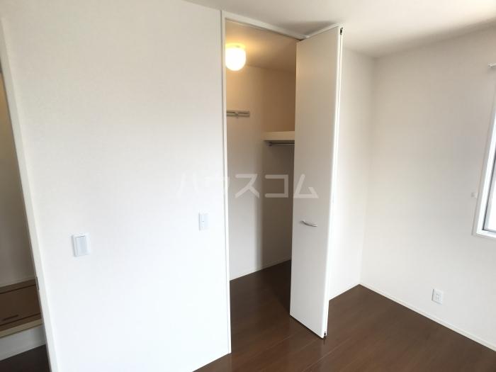 コンフィアンスーフェールD 201号室の収納