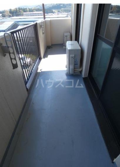 アビタシオン 205号室のバルコニー