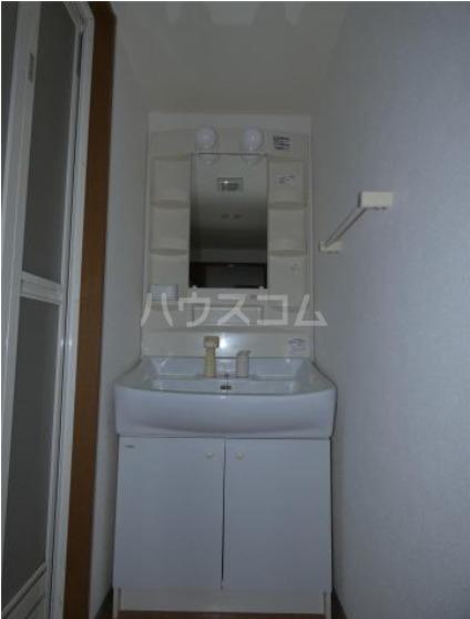 アビタシオン 205号室の洗面所