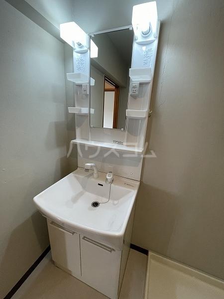 ヴィラ88 4-A号室の洗面所