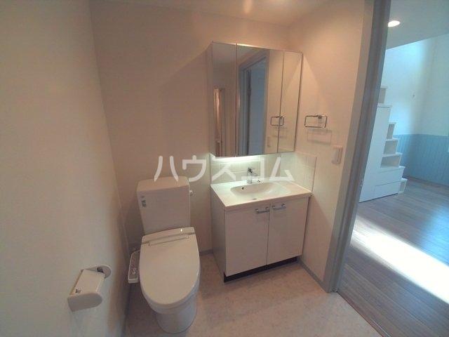 プリマ緑丘壱番館 101号室の洗面所