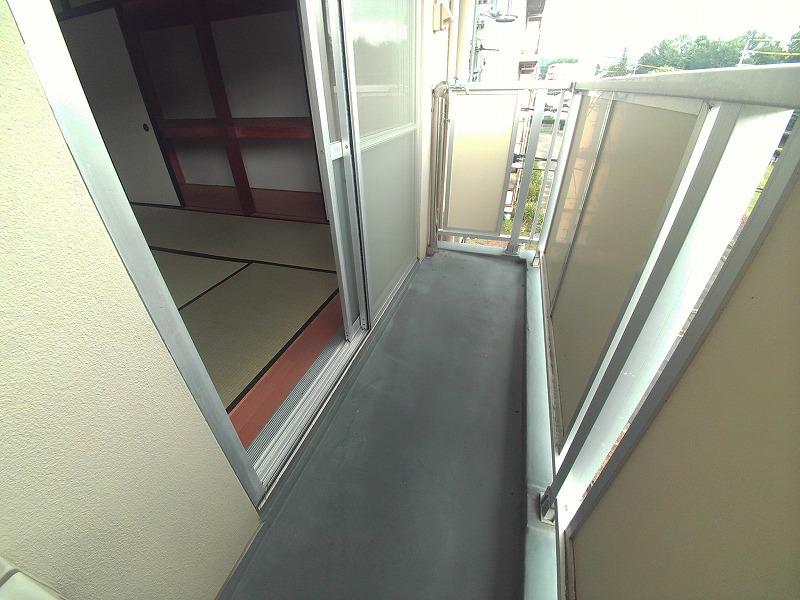 ビレッジハウス仁木 2-110号室のバルコニー