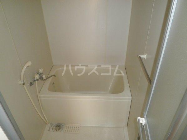 コーブサンクチュアリ 203号室の風呂