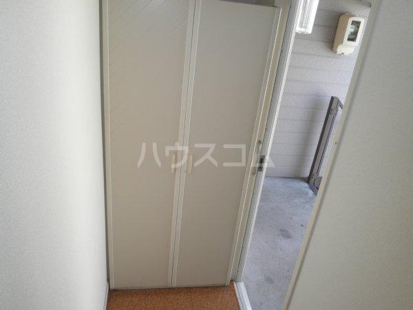 コーブサンクチュアリ 203号室の玄関