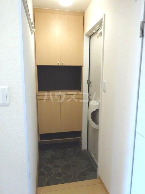 セブンオークスA 103号室の玄関