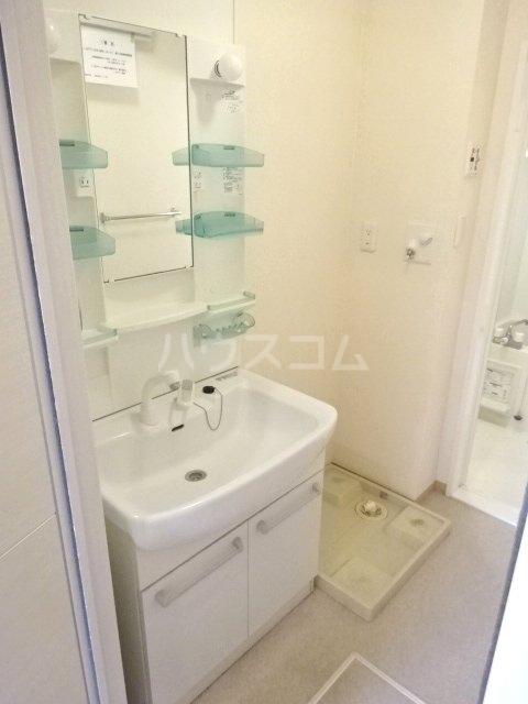 セブンオークスA 103号室の洗面所