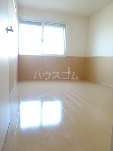 セブンオークスA 103号室のベッドルーム