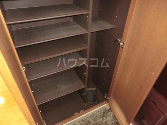 キングス所沢 00402号室の収納