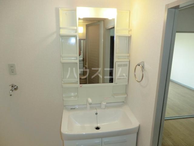 キングス所沢 00402号室の洗面所