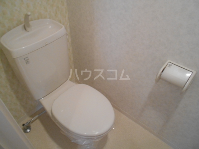クレフラスト鶴里 102号室のトイレ