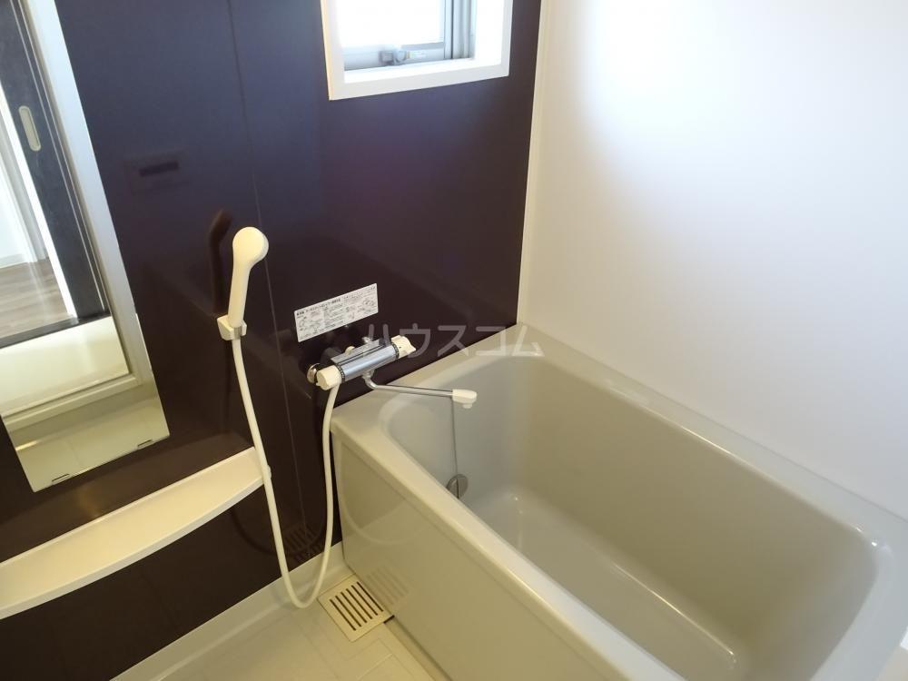 メゾンベールⅠ 201号室の風呂