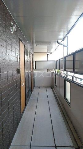 サザンクロスハイム 205号室のロビー