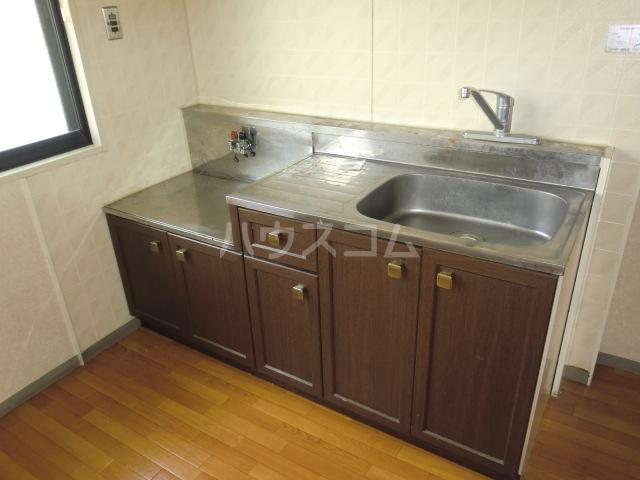 サンフェア南八幡 102号室のキッチン