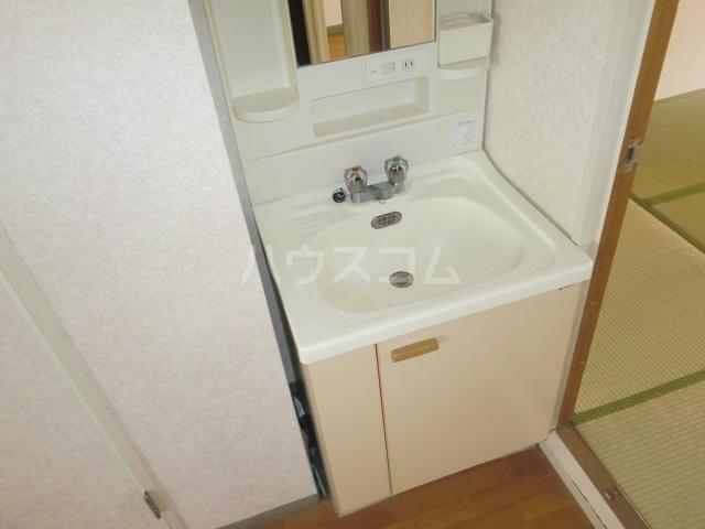 サンフェア南八幡 102号室の洗面所