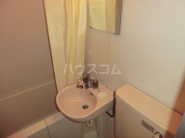 ロータストヨダ 301号室の洗面所