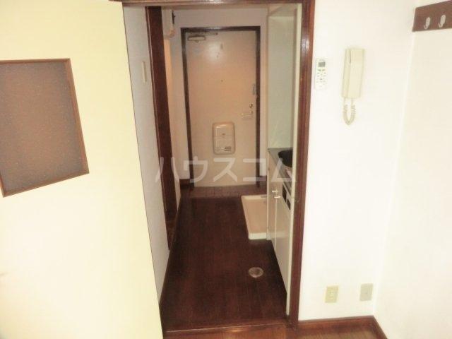 ロータストヨダ 301号室の玄関