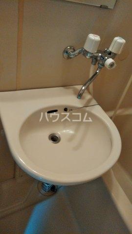 ベルレ市川 203号室の洗面所