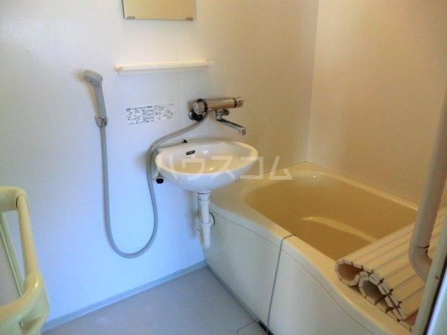 サンテラス 00101号室の風呂
