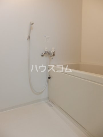 ビラ三秋 202号室の風呂
