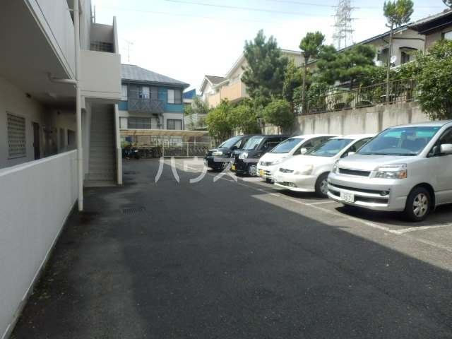 ハイパーク桃山 2G号室の駐車場
