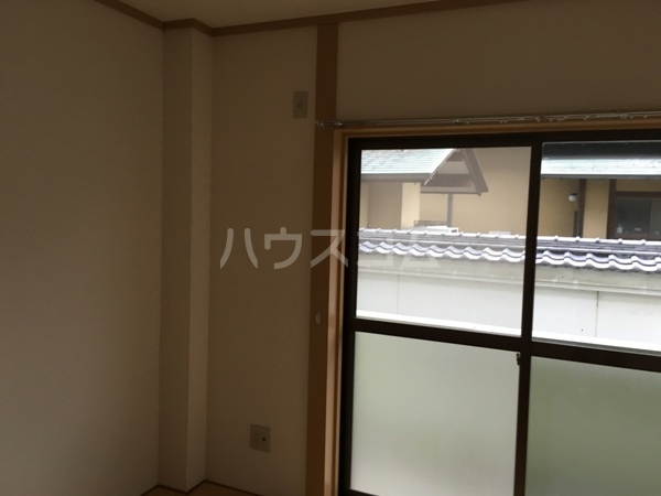 メゾン石川 206号室のベッドルーム