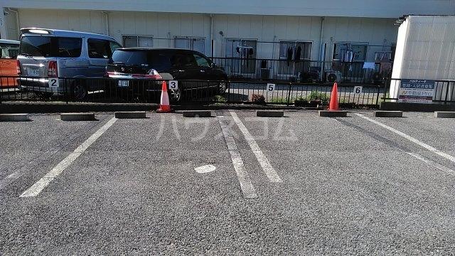 パルティータ 103号室の駐車場