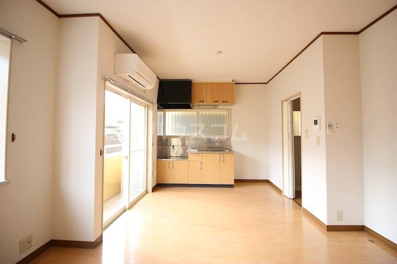 マイシティ高丘(東側) 105号室のキッチン