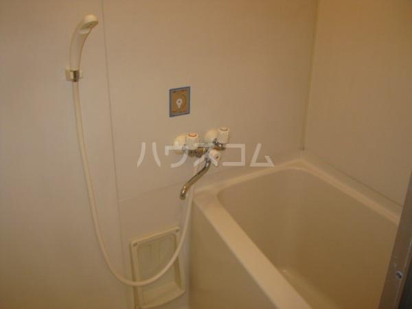 ヒルズ梅ヶ丘 A107号室の風呂