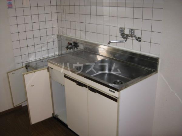 ヒルズ梅ヶ丘 A107号室のキッチン