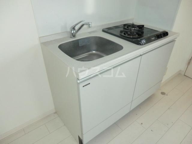 サザンクロス 302号室のキッチン