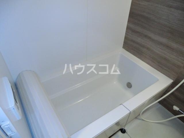 ヴィラージュ砂口 202号室の風呂