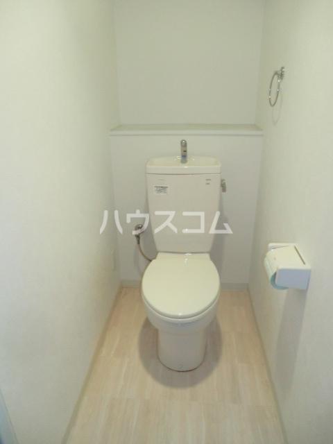 ヴィラージュ砂口 202号室のトイレ