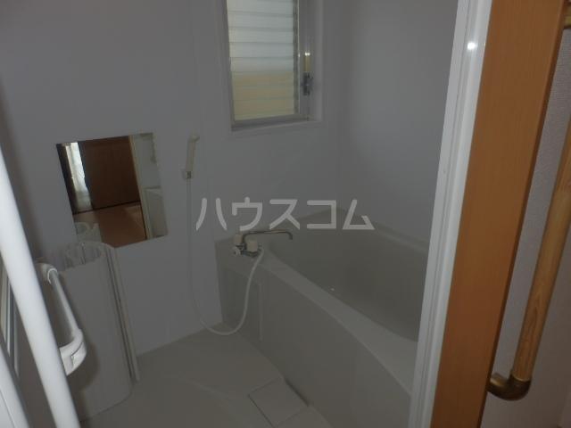 ワンスリーマンション 202号室の風呂
