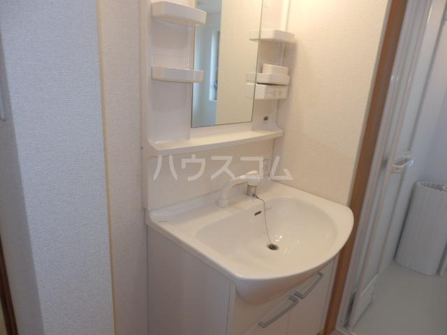 ワンスリーマンション 301号室の洗面所