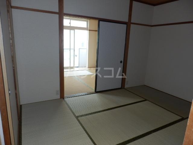 ワンスリーマンション 301号室のベッドルーム