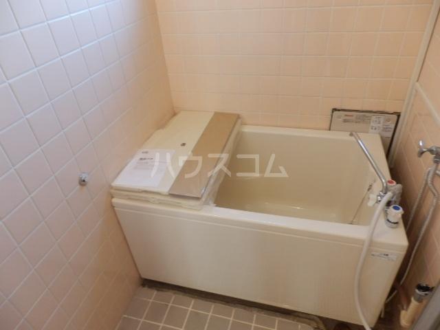 シャトー芝 102号室の風呂