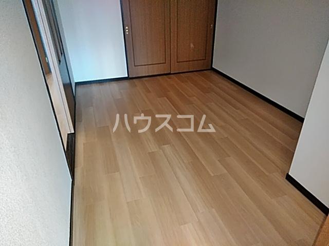 赤坪第2小菅ビル 202号室の居室