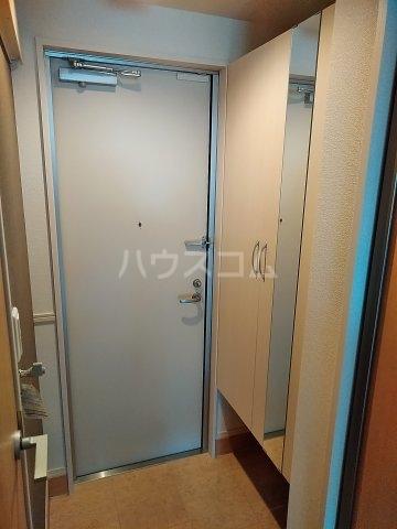 SERENO 106号室の玄関