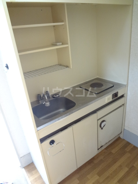 シャトレアルファスペース A号室のキッチン