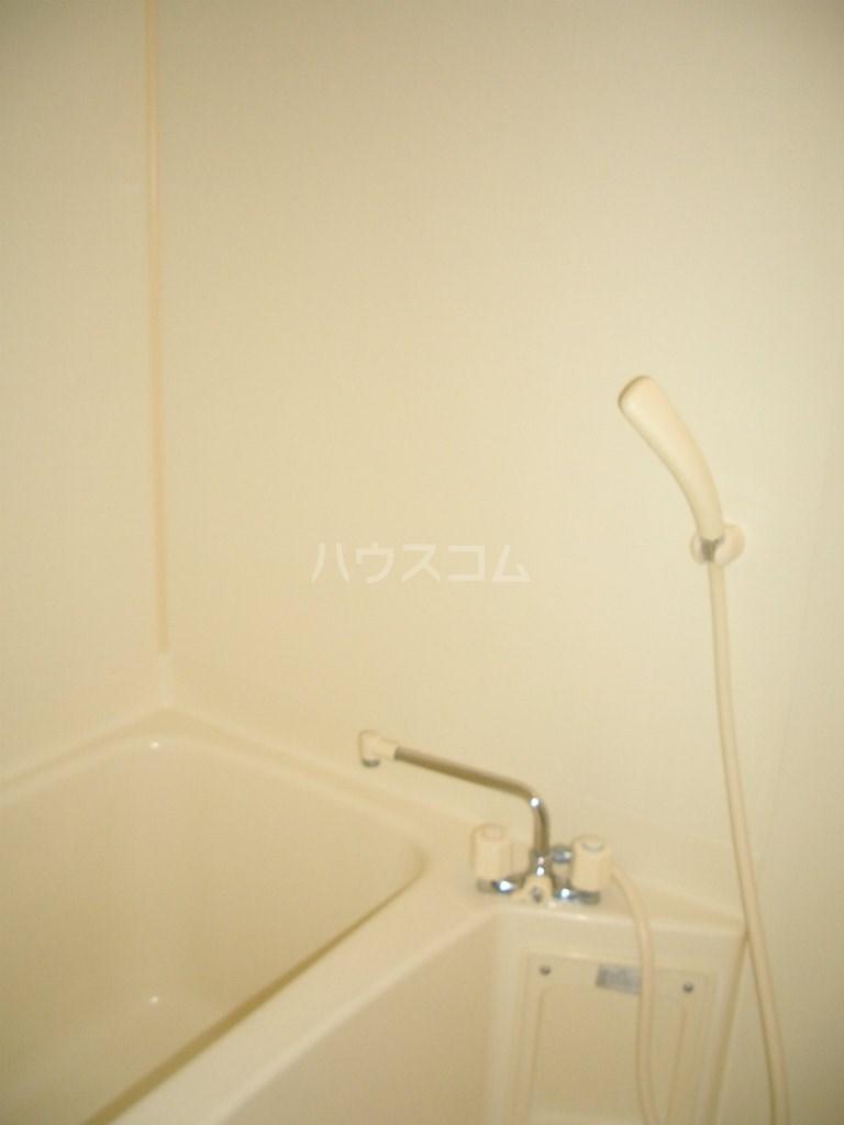 メディオ初生壱番館 201号室の風呂
