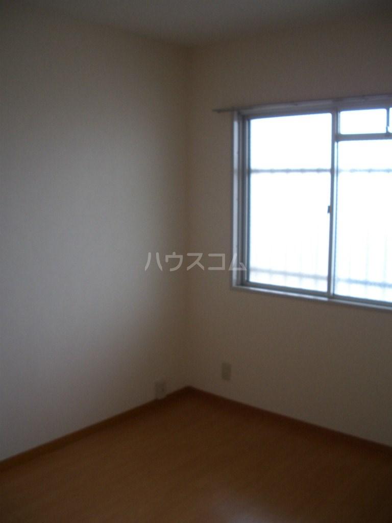 メディオ初生壱番館 201号室のベッドルーム