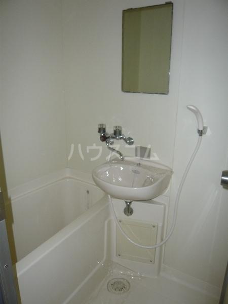 ムーニーヨーロピアン 106号室の風呂