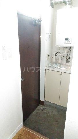 エスプリード・スガノ 201号室の玄関