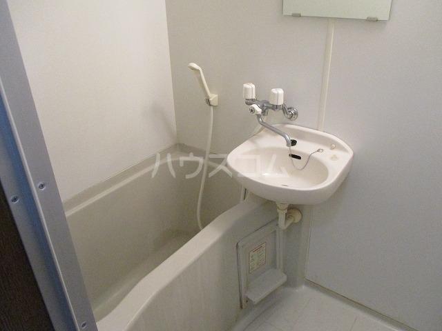 アンプルール リーブル豊 105号室の風呂