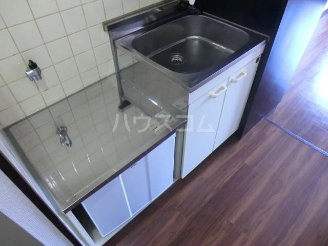 アーバン神宮東 208号室のキッチン