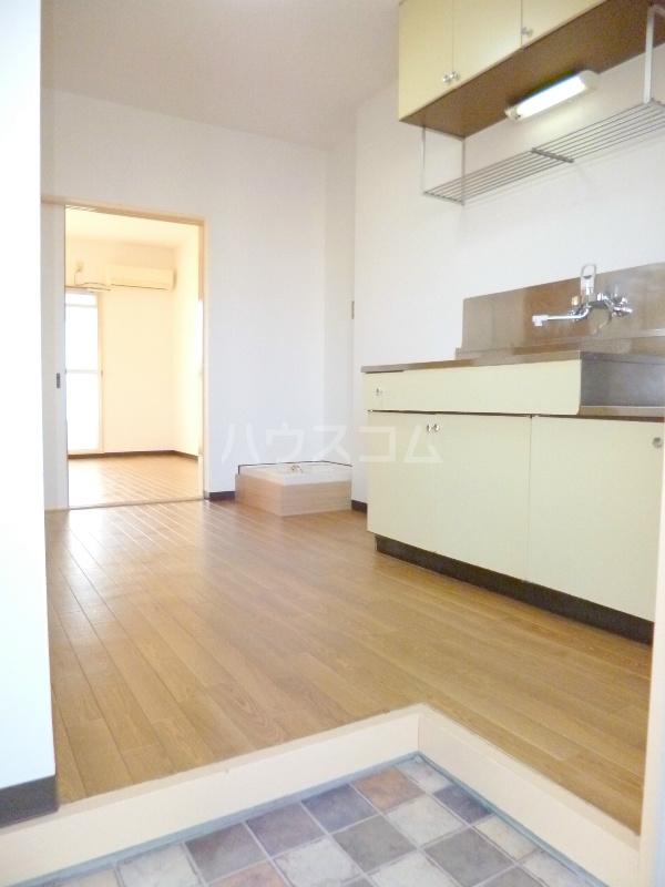 テクトピアホームズ高丘 202号室のキッチン