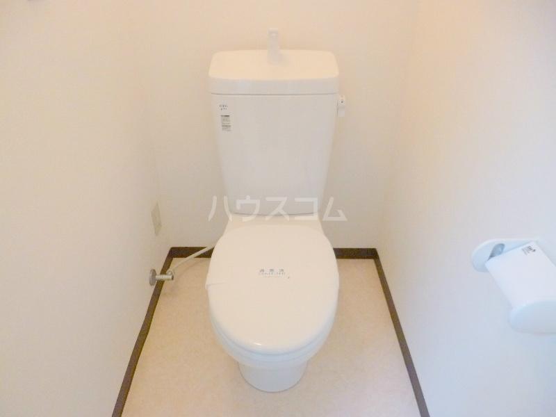 テクトピアホームズ高丘 202号室のトイレ