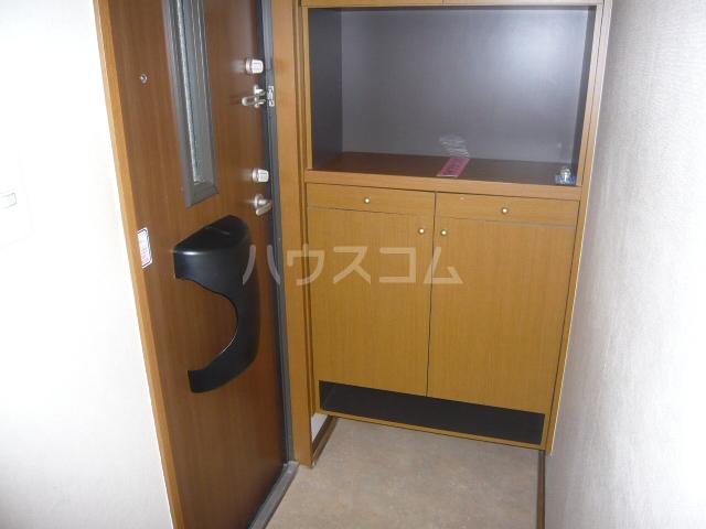 レジデンス神ノ倉C 101号室の玄関