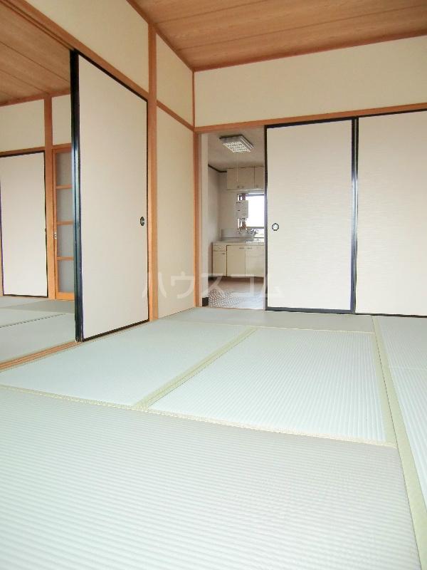 ファミールハイツ 203号室の居室