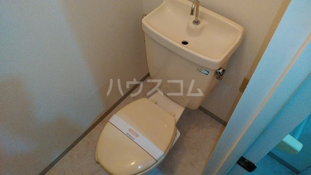 ポルクⅢ 205号室のトイレ